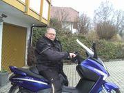 Wir suchen weitere Motorrollerfahrer für