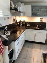 Einbauküche - Hochglanz weiß - mit Markengeräten -
