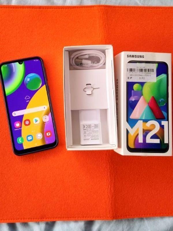 Samsung Smartphone mit Zubehör OVP