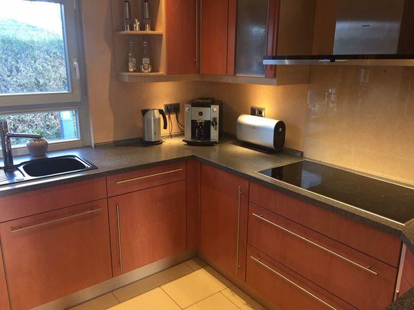 Küche mit Tresen und Geräten von Siemens in Oranienburg ...