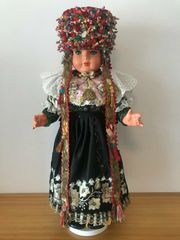 Original Schaumburger Hochzeit s-Trachten-Puppe