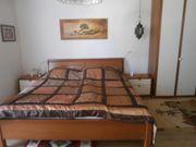 Schlafzimmer mit weißer Front und