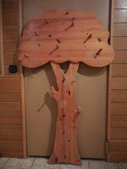 Garderobe als Baumfigur massives Holz