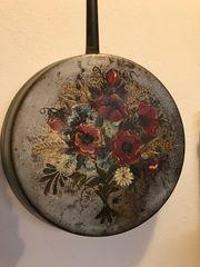 Pfanne Eisen Deko Blumen