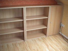 Büromöbel - Regale mit und ohne Türen