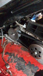 ich repariere Roller Mofa qwad