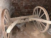 Traktor Anhänger historisch antik landwirtschaftlicher
