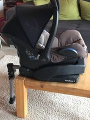 Maxi Cosi mit Easy Base