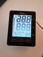 Oberarm-Blutdruckmesser Touchscreen und Sprachausgabe