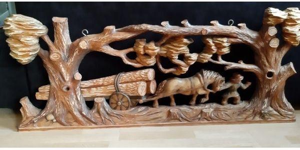 GESCHNITZES HOLZ Bild echtes Holz