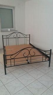 Bett Metallbett in Schwarz 140x200