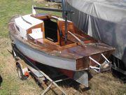 älteres Kajütboot Holz Kimmkieler