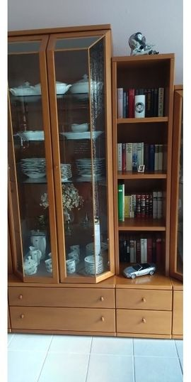 Echtholz Wohnwand mit Glasvitrinen zu: Kleinanzeigen aus Eisenberg - Rubrik Wohnzimmerschränke, Anbauwände