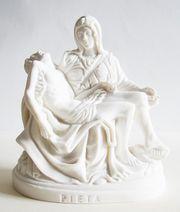 Alabasterfigur Pieta Schmerzensmutter römisch