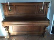 Klavier - 100 Jahre alt