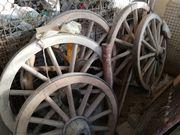 alte Wagenräder zu verkaufen
