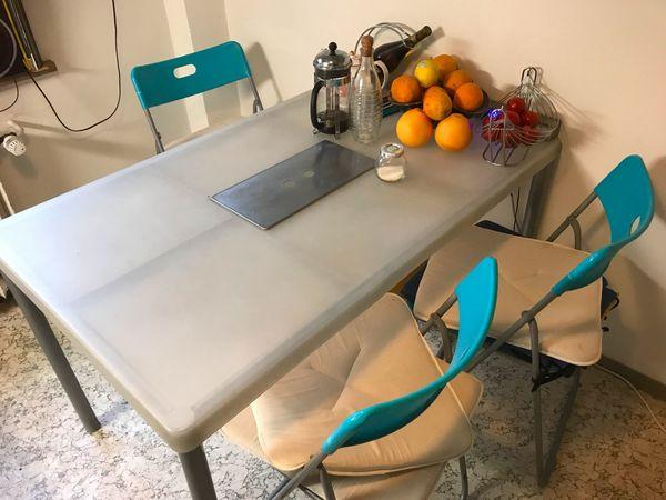 Tisch IKEA Plastik 124x77 cm