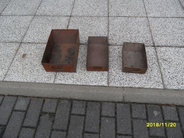 Aschekasten Aschekästen - Ortrand - Verkaufe 3 Stück Aschekästen. ( NEU ) unbenutzt.25x 17x 832x 17x 736x 24x 12Verkauf auch einzeln.Preis pro Stück 7,00 EUR - Ortrand