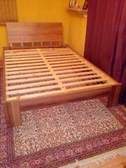 Futton-Bett 140 cm x 200
