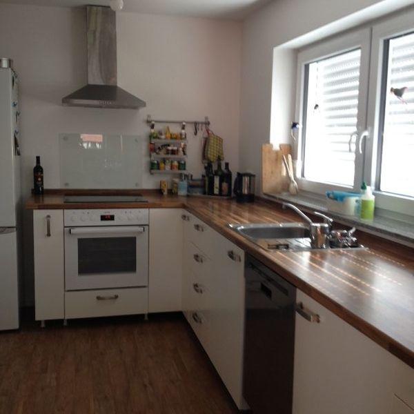 Weiße Ikea-Küche als Küchenzeile oder L-Form zu verkaufen, ohne o ...