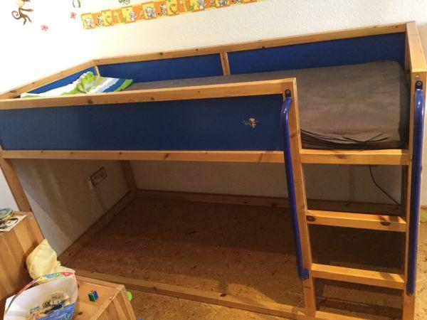 hochbett mit seitlicher rutsche perfect kinder hochbett rutsche spiel fa r ikea hochbett. Black Bedroom Furniture Sets. Home Design Ideas