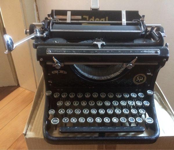 Schreibmaschine Antik