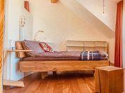 Bett aus Massivholz wunderschön