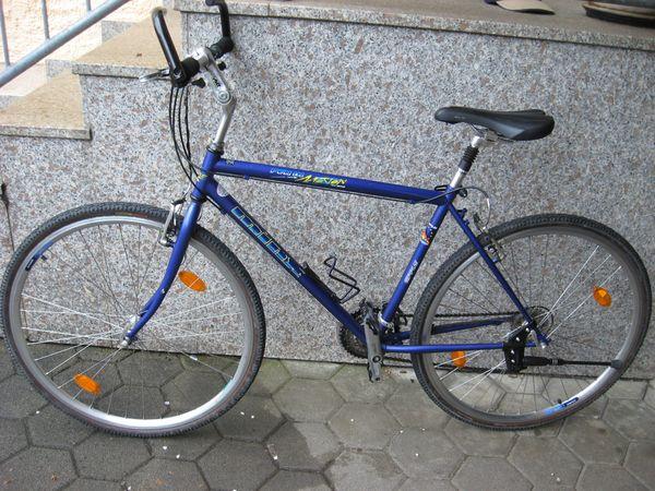 Sportliches Herren Trekking-Rad Crossrad 28