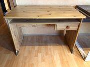 Schreibtisch und Drehstuhl Kiefer