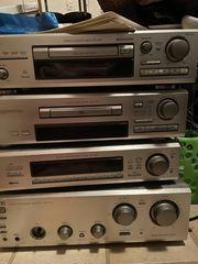 Stereoanlage von AKAI mit ELAC