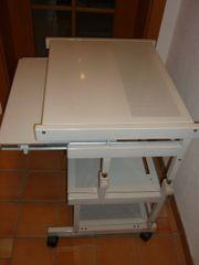 Computertisch aus Metall