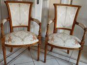 Sitzstühle aus Kirschbaum mit Armlehne