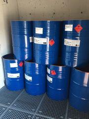 gebrauchte 200 l Deckelfässer aus