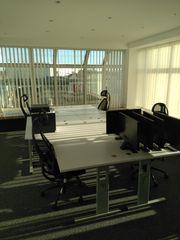 Büroeinrichtung Schreibtisch Bürostuhl Rollcontainer Aktenschrank