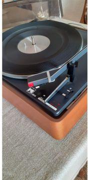 Plattenspieler mit ca 100 Schellackplatten