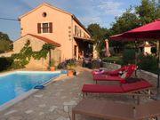 Alleinstehendes Ferienhaus mit eigenem Pool