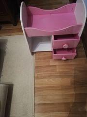 Puppenbett mit Schubladen