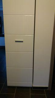 Garderobenschrank weiß lackiert