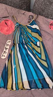 zweiseitiges Kleid in blau und