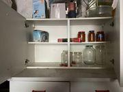 Küchenschränke und Hängeschränke