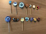 Anstecknadeln Pins von diversen Fußball-Clubs