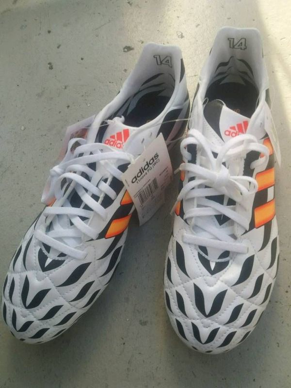 Fußballschuhe Adidas 11nova gr 44 -