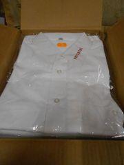 10 weiße Kurzarm-Herrenhemden mit Kragenlogo
