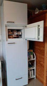 Neuwertiger Kühlschrank mit Gefrierfach in