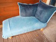 blauer Stoff Liegestuhl