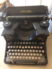 Schreib Maschine Olivetti schwarz Liebhaber