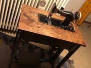 Nähmaschine mit Pedelwerk von Gritzner