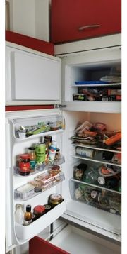 Kühl-Gefrier-Kombi an Selbstabholer