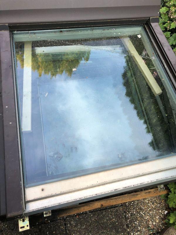 ROTO Dachfenster mit Rolladen 2