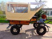 Kleiner Planwagen m Traktorrädern